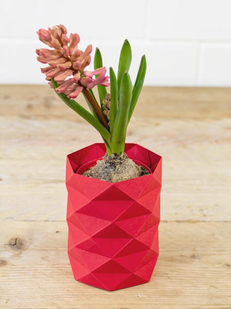 DIY origami vase