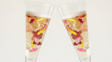 new year's eve cocktails with flowers