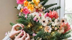 DIY floral christmas tree