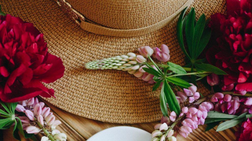 Prinsjesdag inspiratie: mooie hoeden met bloemen