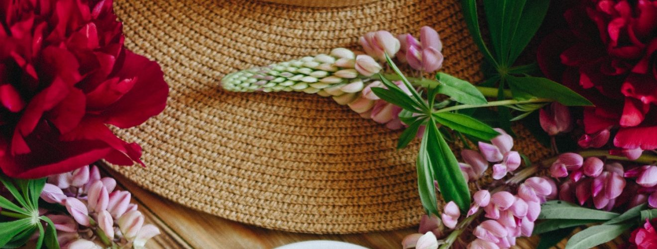Prince's Day inspiration: beautiful hats with flowers